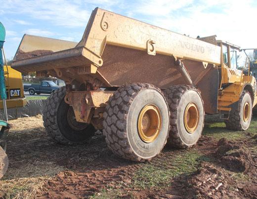 transport-de-terre-sable-et-gravier - excavations denis dagenais inc. - excavations denis dagenais inc.